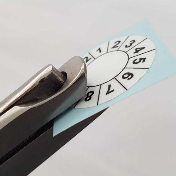 Kerbzange zum Markieren von Prüfplaketten
