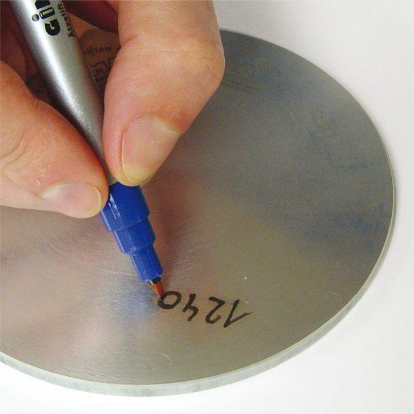 Metalle wetterfest beschriften